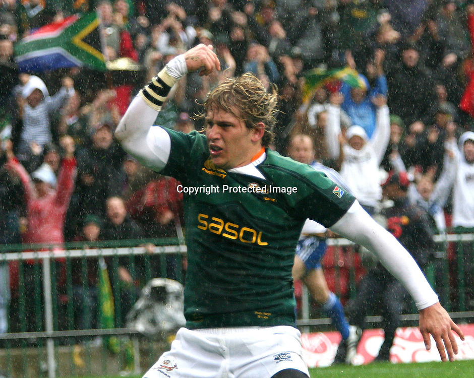 Cape Town, South Africa - 21 June 2008: Frans Steyn Celebrates after scoring South Africas first try during the Test South Africa vs Italy, Played at Newlands Stadium. Photo Credit  Shaun Roy/Sportzpics