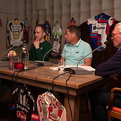 OOTMARSUM (NED) wielrennen<br /> Wielercafe in het Dorp van de Ronde Ootmarsum <br /> Marc Reef, Jan Boven