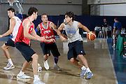 DESCRIZIONE : Bormio Raduno Collegiale Nazionale Italiana Maschile Allenamento<br /> GIOCATORE : Marco Mordente<br /> SQUADRA : Nazionale Italia Uomini <br /> EVENTO : Raduno Collegiale Nazionale Italiana Maschile <br /> GARA : <br /> DATA : 13/07/2009 <br /> CATEGORIA : palleggio<br /> SPORT : Pallacanestro <br /> AUTORE : Agenzia Ciamillo-Castoria/G.Ciamillo
