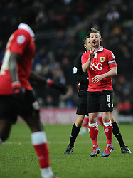 Bristol City's Wade Elliott talks with Bristol City's Jay Emmanuel-Thomas  - Photo mandatory by-line: Joe Meredith/JMP - Mobile: 07966 386802 - 07/02/2015 - SPORT - Football - Milton Keynes - Stadium MK - MK Dons v Bristol City - Sky Bet League One
