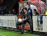 13-09-2008 VOETBAL:FC TWENTE:NEC NIJMEGEN:ENSCHEDE <br /> Mario Been gelooft er weer in en pakt snel de bal<br /> Foto: Geert van Erven