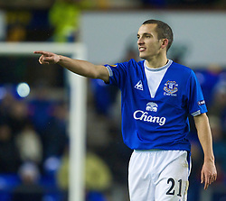 LIVERPOOL, ENGLAND - Thursday, December 17, 2009: Everton's Leon Osman in action against FC BATE Borisov during the UEFA Europa League Group I match at Goodison Park. (Pic by David Rawcliffe/Propaganda)