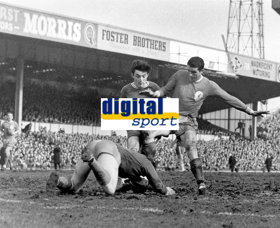 Ron Yeats - Liverpool. Liverpool v Chelsea, FA Cup semi final @ Villa Park 27/3/65. Credit: Colorsport.