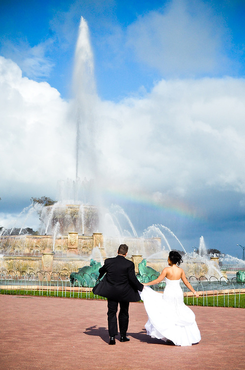 Tara & Randy rush to see the rainbow over Buckingham Fountain, Chicago, IL