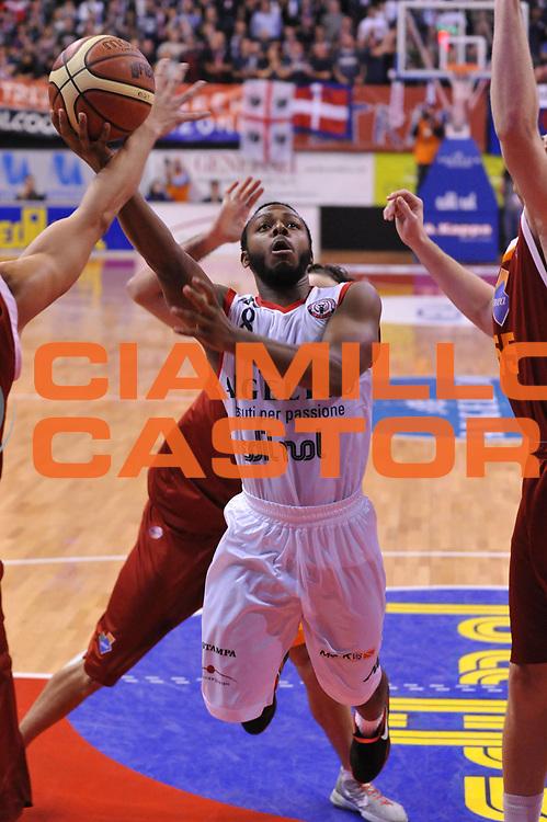 DESCRIZIONE : Biella Lega A 2011-12 Angelico Biella Acea Roma<br /> GIOCATORE : Jacob Pullen<br /> SQUADRA : Angelico Biella<br /> EVENTO : Campionato Lega A 2011-2012<br /> GARA : Angelico Biella Acea Roma<br /> DATA : 25/01/2012<br /> CATEGORIA : Penetrazione Tiro<br /> SPORT : Pallacanestro<br /> AUTORE : Agenzia Ciamillo-Castoria/S.Ceretti<br /> Galleria : Lega Basket A 2011-2012<br /> Fotonotizia : Biella Lega A 2011-12 Angelico Biella Acea Roma<br /> Predefinita :