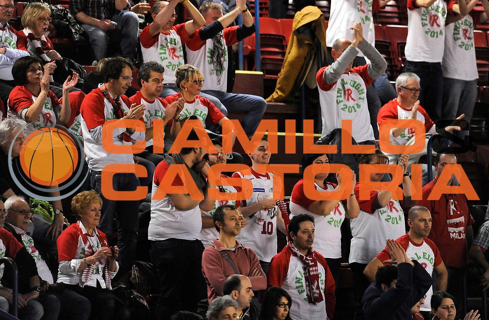 DESCRIZIONE : Milano Coppa Italia Final Eight 2014 Quarti di Finale Acqua Vitasnella Cantu' Grissinbon Reggio Emilia <br /> GIOCATORE : <br /> CATEGORIA : Tifosi Supporters Ultras Esultanza<br /> SQUADRA : Grissinbon Reggio Emilia<br /> EVENTO : Beko Coppa Italia Final Eight 2014<br /> GARA : Acqua Vitasnella Cantu' Grissinbon Reggio Emilia <br /> DATA : 08/02/2014<br /> SPORT : Pallacanestro<br /> AUTORE : Agenzia Ciamillo-Castoria/A.Giberti<br /> GALLERIA : Lega Basket Final Eight Coppa Italia 2014<br /> FOTONOTIZIA : Milano Coppa Italia Final Eight 2014 Quarti di Finale Acqua Vitasnella Cantu' Grissinbon Reggio Emilia <br /> Predefinita :