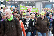 In de Jaarbeurs in Utrecht voeren docenten van het voortgezet onderwijs actie tegen de plannen van Minister van Bijsterveldt (OCW).<br /> <br /> Teachers are demonstrating in Utrecht against the ideas of the minister.