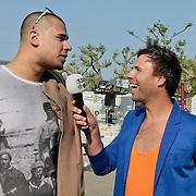 NLD/Amsterdam/20110430 - Koninginnedagconcert Radio 538, Afrojack, Nick van de Wall  word geinterviewd door Barry Paff