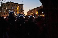 Roma 29 Novembre 2013<br /> Manifestazione  dei  Movimenti per il diritto all'abitare che manifestano per la strade della Garbatella fino alla Regione Lazio per chiedere misure per far fronte all'emergenza abitativa a Roma. La polizia blocca la delegazione che deve andare  dall'Assessore alla Casa