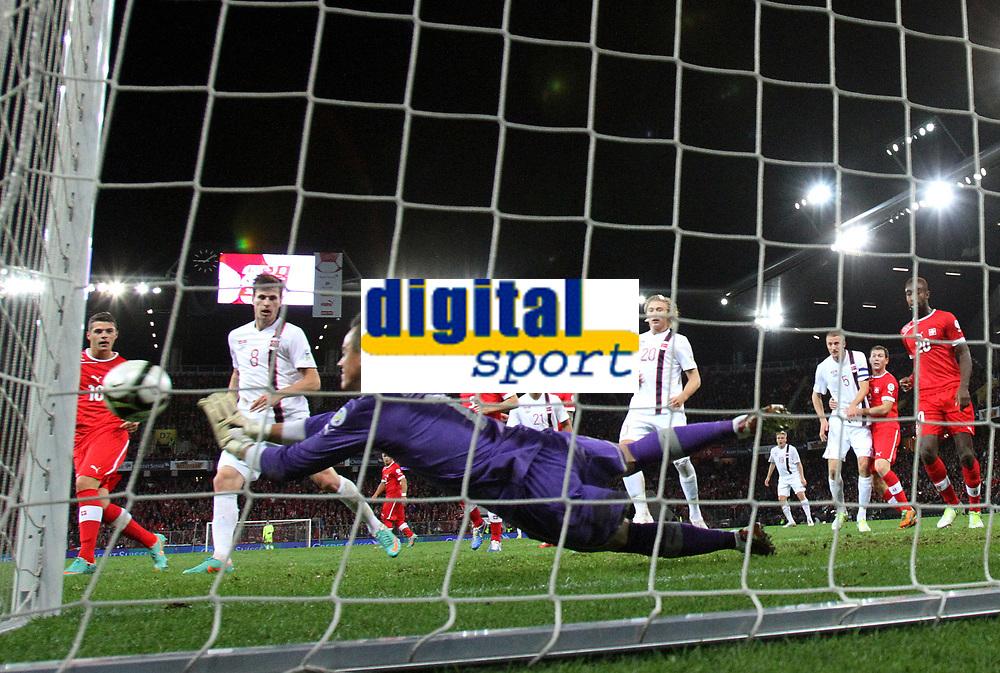 Bern, 12.10.2012, Fussball WM 2014 Quali, Schweiz - Norwegen, Torhueter Diego Benaglio (SUI) (Pascal Muller/EQ Images)