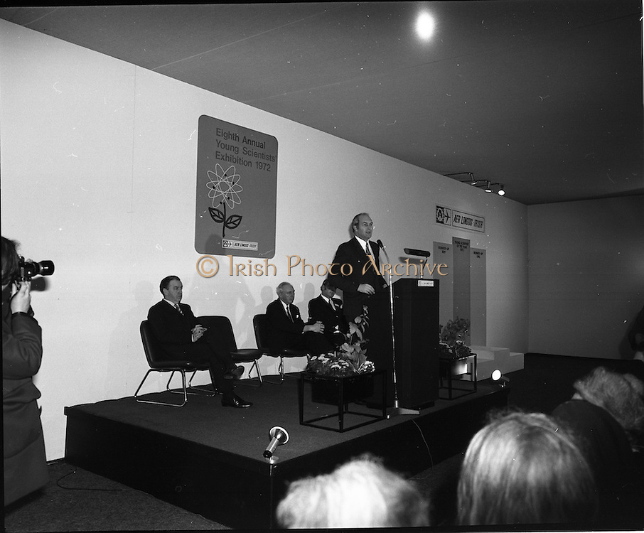 1972.07/01/1972.01/07/1972.7th January 1972.The Aer lingus Young Scientist Exhibition at the RDS, Dublin..George Colley T.D. Minister for Finance speaking at the eighth annual Young Scientist Exhibition.