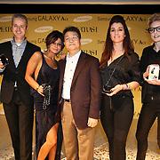 NLD/Amsterdam/20110129 - Presentatie Samsung Galaxy Ace, dhr. van den Berg, Olcay Gulsen, dhr.Kim, Quinty Trustfull - van den Broek