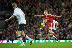 LIVERPOOL, ENGLAND - Saturday, November 22, 2008: Liverpool's Dirk Kuyt in action against Fulham during the Premiership match at Anfield. (Photo by David Rawcliffe/Propaganda)