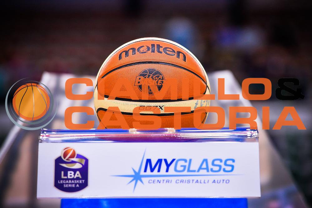 Pallone Molten, MyGlass<br /> Banco di Sardegna Dinamo Sassari - Dolomiti Energia Aquila Basket Trento<br /> Legabasket Serie A LBA Poste Mobile 2016/2017<br /> Playoff Quarti Gara3<br /> Sassari 16/05/2017<br /> Foto Ciamillo-Castoria