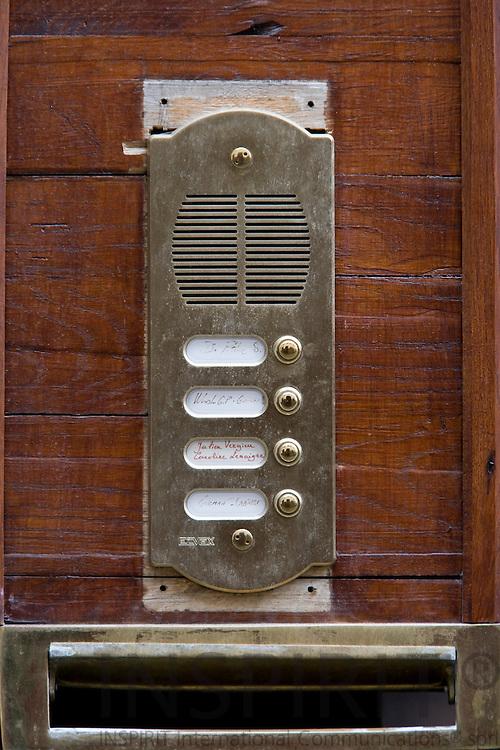 BRUSSELS - BELGIUM - 14 OCTOBER 2008 -- Mail box and door bells next to house door. Photo: Erik Luntang