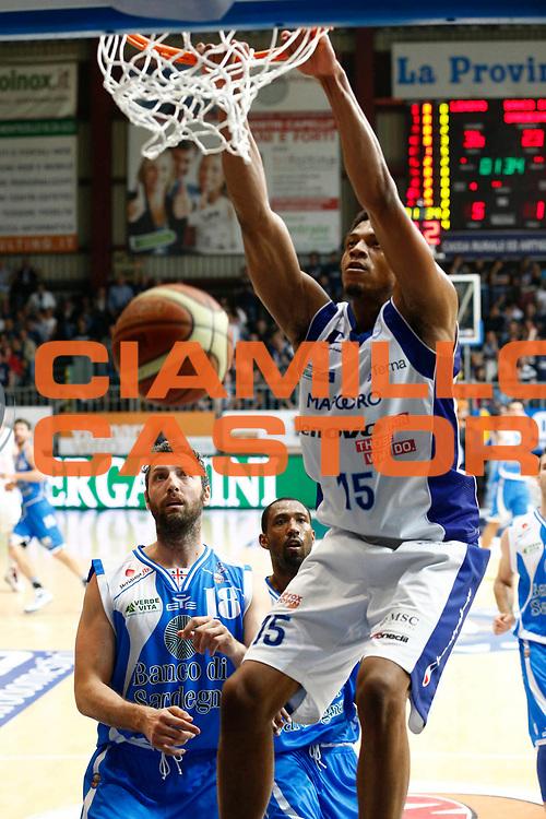 DESCRIZIONE : Cantu Lega A 2012-13 Lenovo Cantu Banco di Sardegna Sassari playoff quarti di finale gara 4<br /> GIOCATORE : Jeff Brooks<br /> CATEGORIA : Schiacciata<br /> SQUADRA : Lenovo Cantu<br /> EVENTO : Campionato Lega A 2012-2013<br /> GARA : Lenovo Cantu Banco di Sardegna Sassari<br /> DATA : 15/05/2013<br /> SPORT : Pallacanestro <br /> AUTORE : Agenzia Ciamillo-Castoria/G.Cottini<br /> Galleria : Lega Basket A 2012-2013  <br /> Fotonotizia : Cantu Lega A 2012-13 Lenovo Cantu Banco di Sardegna Sassari playoff quarti di finale gara 4<br /> Predefinita :