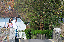 © Licensed to London News Pictures. 21/04/2019.<br /> Eynsford,UK. People out and about enjoying the Easter Sunday hot weather in Eynsford,Kent along the river Darent. Photo credit: Grant Falvey/LNP