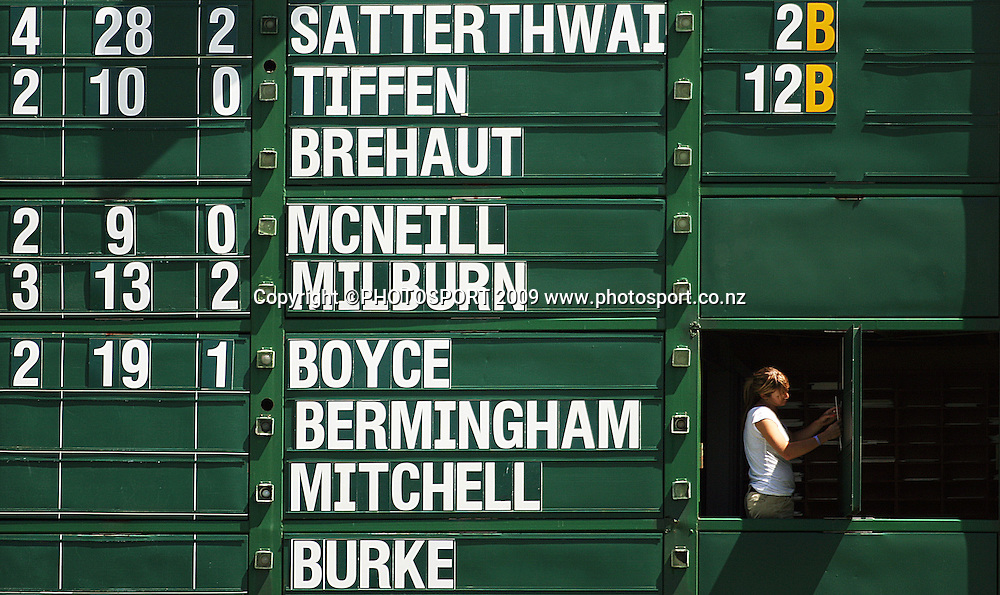The scoreboard is changed after Erin Bermingham is dismissed.<br /> State League 20/20 final. Wellington Blaze v Canterbury Magicians at Allied Prime Basin Reserve, Wellington. Saturday, 25 January 2009. Photo: Dave Lintott/PHOTOSPORT