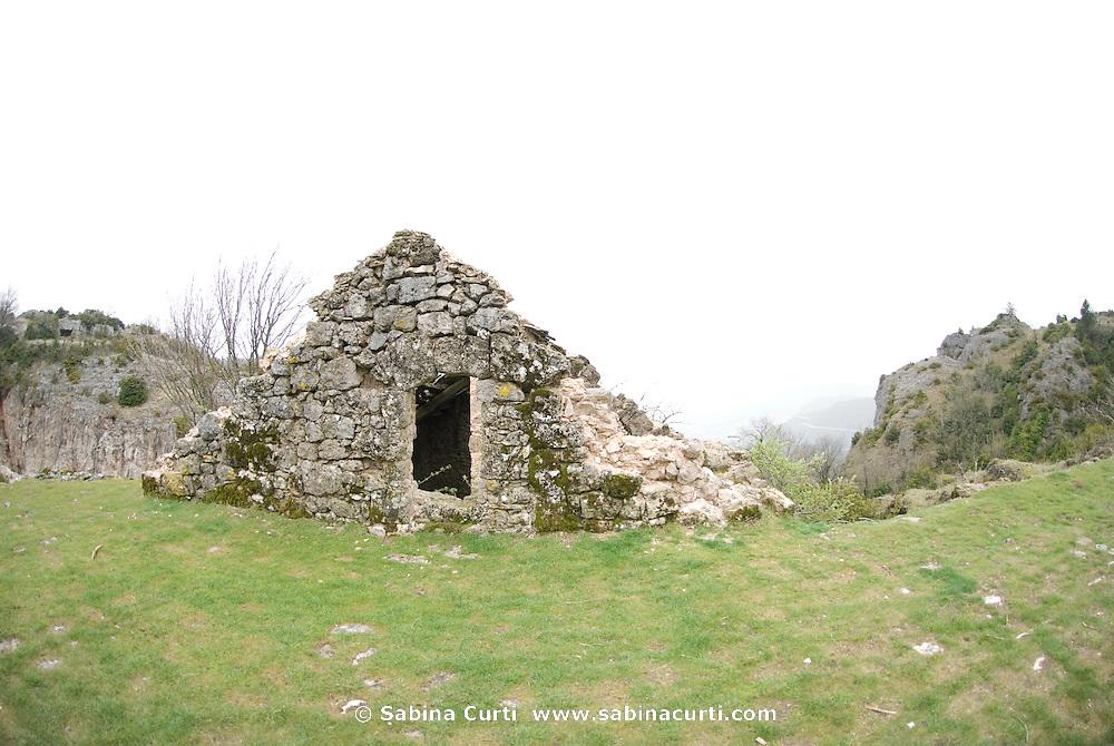 Stone barn, Midi-Pyrénées, France