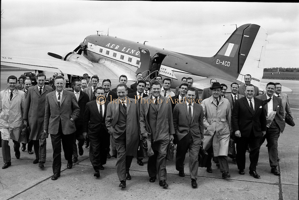 27/05/1962<br /> 05/27/1962<br /> 27 May 1962<br /> Irish Cider and Perry Company Salesmen arrive at Dublin Airport. Forty salesmen flew into Dublin to join the Irish representatives of the Irish Cider and Perry Company in launching the new Irish produced Babycham and Coates' vintage cider throughout Ireland. Both products were made at the newly acquired Bulmers Ltd. factory at Clonmel. The salmon were to visit 10,200 premises. The party arrived from Bristol on an Aer Lingus Charter plane and were assigned a car each. Picture shows the salesmen and Mr Edward Dix, General Salesmanager, arriving at Dublin Airport with Mr John Kelly, General Manager, I.C.P.C.; Mr S.J. Neale and Mr W.N. Cotter, sales manager for Ireland.