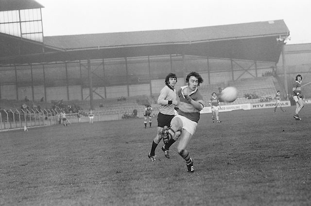 Kerry kicks the ball far down the field during the All Ireland Senior Gaelic Football Semi Final, Dublin v Kerry in Croke Park on the 23rd of January 1977. Dublin 3-12 Kerry 1-13.