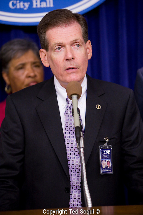 LAPD Captain Denis Cremins.<br /> LA Council offers reward in &quot;Grim Sleeper&quot; Serial Killer Case.<br /> A $500,000 reward was offered today for information<br /> leading to the arrest and conviction of a serial killer believed to be responsible for at least 11 murders in South Los Angeles between 1985 and 2007.<br />    Dubbed the ``Grim Sleeper'' by the LA Weekly, the suspect has killed nine people in the city of Los Angeles, one in Inglewood and one in an unincorporated area of the county in the last 23 years.