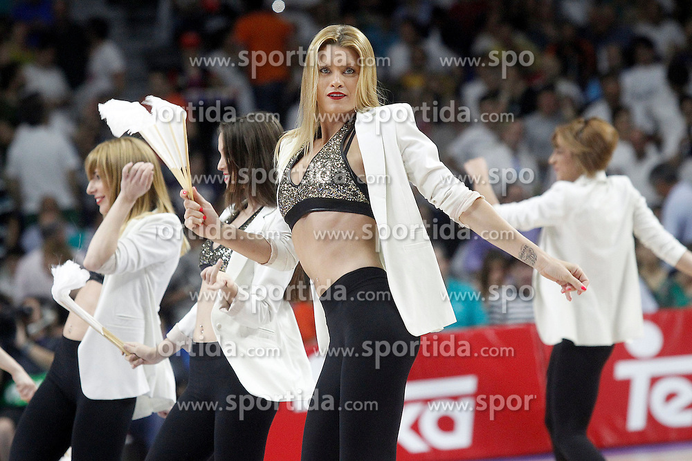 21.06.2015, Palacio de los Deportes, Madrid, ESP, Liga Endesa, Real Madrid vs Barcelona, Finale, 2. Spiel, im Bild Real Madrid's cheerleaders // during the second match of Liga Endesa final's between Real Madrid vs Barcelona at the Palacio de los Deportes in Madrid, Spain on 2015/06/21. EXPA Pictures &copy; 2015, PhotoCredit: EXPA/ Alterphotos/ Acero<br /> <br /> *****ATTENTION - OUT of ESP, SUI*****