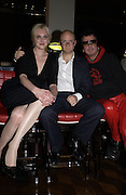 Sophie Dahl and the hon. toby Young and Nicky Haslam. How to lose friends and Alienate people. Toby Young book party hosted by Sophie Dahl and Dylan Jones. Isola. 31 October 2001. © Copyright Photograph by Dafydd Jones 66 Stockwell Park Rd. London SW9 0DA Tel 020 7733 0108 www.dafjones.com
