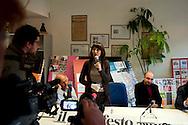 Roma, 9 Febbraio  2012.Conferenza stampa nella sede del giornale  Il Manifesto, che con l'apertura della procedura di liquidazione coatta della cooperativa editrice del quotidiano avviato dal ministero per lo Sviluppo economico, rischiano di rimanere senza lavoro . Norma Rangeri, direttore del Il Manifesto.Press conference at the headquarters of the newspaper Il Manifesto, that with the opening of the procedure for involuntary liquidation of the cooperative publishes the newspaper started by the Ministry of Economic Development are likely to remain jobless..Rome, Italy. 9th Febuary 2012