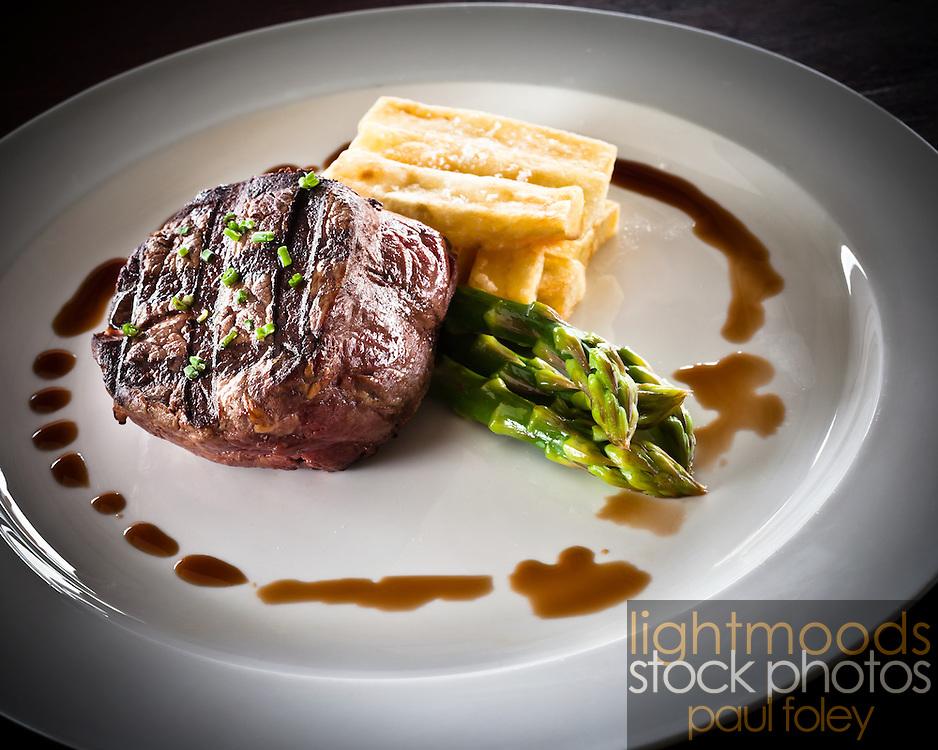Steak, Chips & Asparagus meal