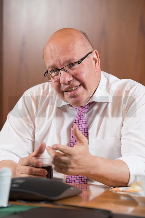 16 MAY 2018, BERLIN/GERMANY:<br /> Peter Altmaier, CDU, Bundeswirtschaftsminister, wahrend einem Interview, Bundesministerium fuer Wirtschaft und Energie<br /> IMAGE: 20180516-02-006
