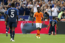 (L-R) Samuel Umtiti of France, Quincy Promes of Holland, Olivier Giroud of France during the UEFA Nations League A group 1 qualifying match between France and The Netherlands on September 09, 2018 at Stade de France in Saint Denis,  France