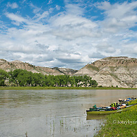 canoes beached at the cow island trail and old battle field, umrbnm, montana, russel country, montana, usa, upper missouri river breaks national monument, russell