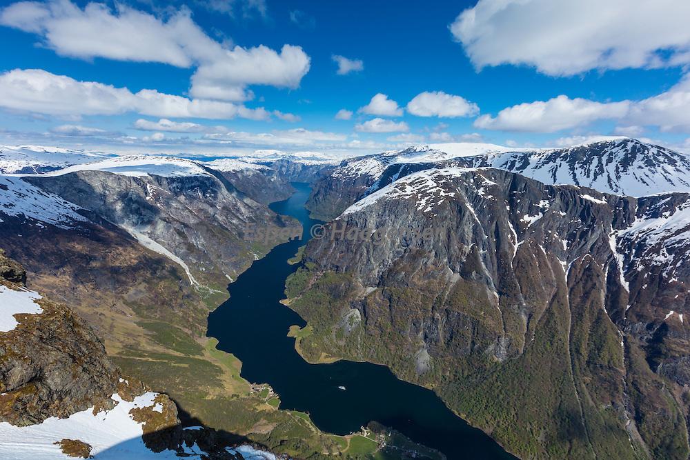 The Nærøyfjord from Bakkanosi.
