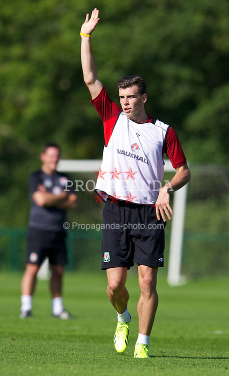 CARDIFF, WALES - Tuesday, September 3, 2013: Wales' Gareth Bale during a training session at the Vale of Glamorgan ahead of the 2014 FIFA World Cup Brazil Qualifying Group A match against Macedonia. (Pic by David Rawcliffe/Propaganda)