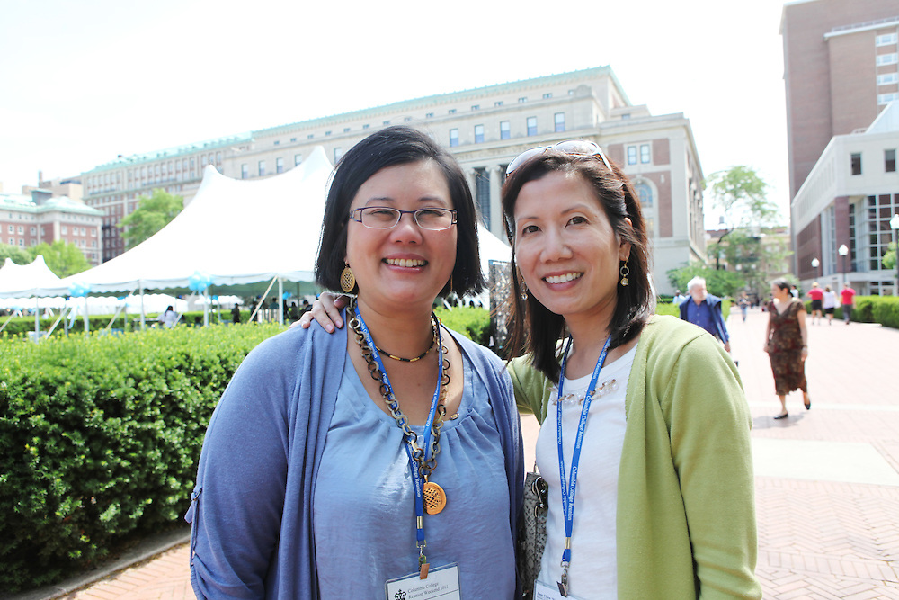 Dana Wu '91 (left).Jane Chew '91