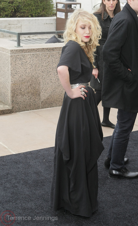 Mary Kate Olson arrives at The Metropolitan Opera's 125th Anniversary Gala and Placido Domingo's 40th Anniversary Celebration underwritten by Yves Saint Laurent held at The Metropolitian Opera House, Lincoln Center on March 15, 2009 in New York City.