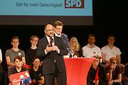 Mannheim. 19.09.17 | SPD-Kanzlerkandidat Martin Schulz im Capitol Mannheim.<br /> Im Wahlkampf zur Bundestagswahl unterstützt Kanzlerkandidat Martin Schulz Mannheims SPD Bundestagsabgeordneter Stefan Rebmann.<br /> <br /> <br /> BILD- ID 2384 |<br /> Bild: Markus Prosswitz 19SEP17 / masterpress (Bild ist honorarpflichtig - No Model Release!)