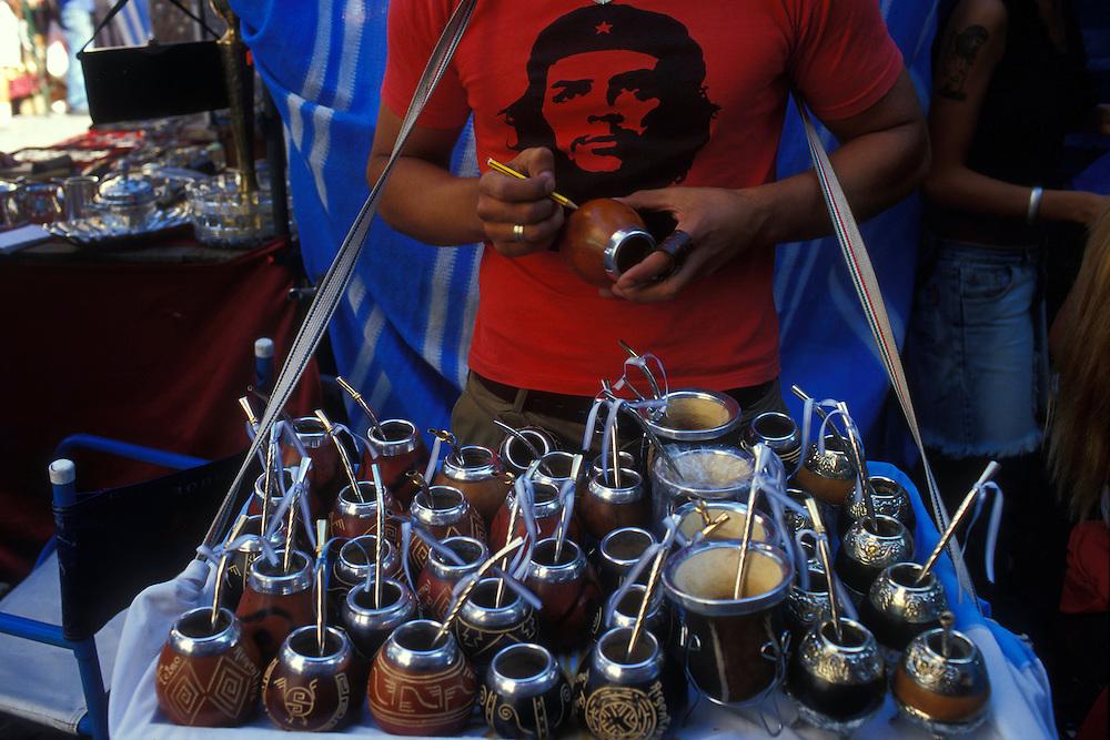 ARGENTINA/ BUENOS AIRES/ Puesto de venta de mates en el barrio bohemio de San Telmo, donde los domingos por la mañana se lleva a cabo la Feria de Antigüedades más vistosa y conocida de la ciudad..ARGENTINA/ BUENOS AIRES/ 'Mates' (argentinian kind of tea pot) stand at San Telmo neighbourhood, every sunday morning there is the most atractive and famous antiques market of the city
