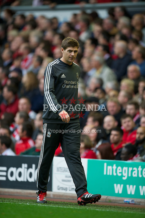 LIVERPOOL, ENGLAND - Saturday, September 24, 2011: Liverpool's captain Steven Gerrard MBE warms up during the Premiership match against Wolverhampton Wanderers at Anfield. (Pic by David Rawcliffe/Propaganda)