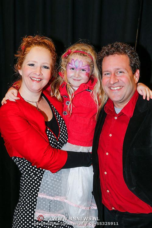 NLD/Amsterdam/20130214 - Premiere musical Peter Pan, Hilke Bierman, partner Thijs van Aken en dochter