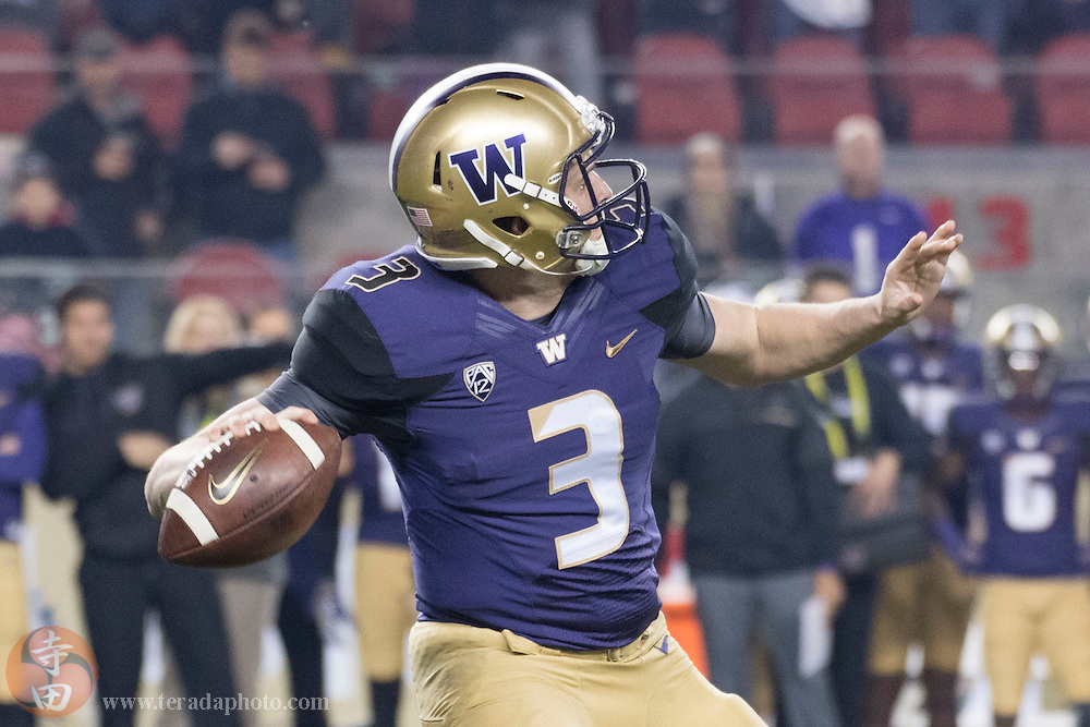 December 2, 2016; Santa Clara, CA, USA; Washington Huskies quarterback Jake Browning (3) passes the football against the Colorado Buffaloes during the first quarter in the Pac-12 championship at Levi's Stadium.