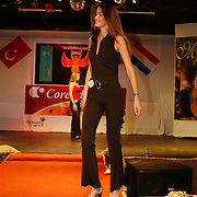 Miss Nederland 2003 reis Turkije, repetities show, Femke Frederiks