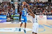 DESCRIZIONE : Campionato 2014/15 Dolomiti Energia Aquila Trento - Dinamo Banco di Sardegna Sassari<br /> GIOCATORE : Edgar Sosa<br /> CATEGORIA : Tiro Tre Punti<br /> SQUADRA : Dinamo Banco di Sardegna Sassari<br /> EVENTO : LegaBasket Serie A Beko 2014/2015<br /> GARA : Dolomiti Energia Aquila Trento - Dinamo Banco di Sardegna Sassari<br /> DATA : 15/12/2014<br /> SPORT : Pallacanestro <br /> AUTORE : Agenzia Ciamillo-Castoria / Luigi Canu<br /> Galleria : LegaBasket Serie A Beko 2014/2015<br /> Fotonotizia : Campionato 2014/15 Dolomiti Energia Aquila Trento - Dinamo Banco di Sardegna Sassari<br /> Predefinita :