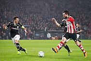 EINDHOVEN, PSV - Heracles Almelo, voetbal, Eredivisie seizoen 2015-2016, 20-02-2016, Philips Stadion, PSV speler Davy Propper (R) scoort de 1-0, Heracles Almelo speler Mark-Jan Fledderus (L).
