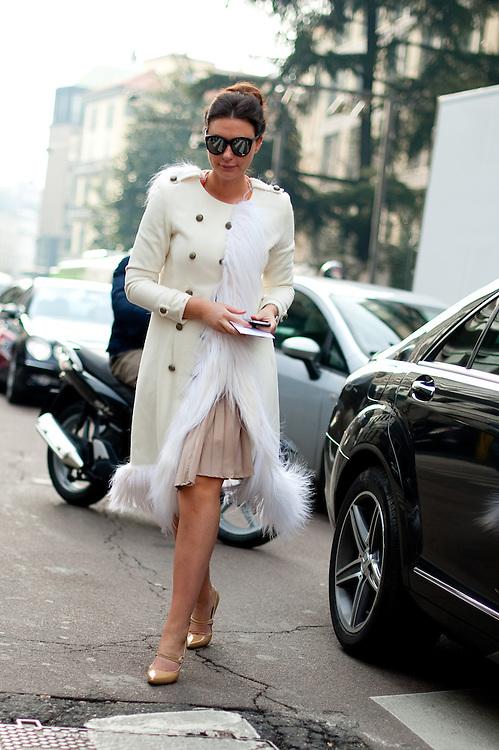 White Coat with Fur Fringe, Outside Alberta Ferretti