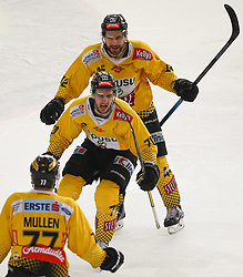 07.04.2019, Albert Schultz Halle, Wien, AUT, EBEL, Vienna Capitals vs EC Red Bull Salzburg, Halbfinale, 5. Spiel, im Bild v.l. Torjubel Patrick Joseph Mullen (spusu Vienna Capitals), Benjamin Nissner (spusu Vienna Capitals) und Alex Wall (spusu Vienna Capitals) // during the Erste Bank Icehockey 5th semifinal match between Vienna Capitals and EC Red Bull Salzburg at the Albert Schultz Halle in Wien, Austria on 2019/04/07. EXPA Pictures © 2019, PhotoCredit: EXPA/ Thomas Haumer