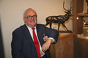 Gerry Farrell, Sladmore Gallery. The opening  day of the Grosvenor House Art and Antiques Fair.  Grosvenor House. Park Lane. London. 14 June 2006. ONE TIME USE ONLY - DO NOT ARCHIVE  © Copyright Photograph by Dafydd Jones 66 Stockwell Park Rd. London SW9 0DA Tel 020 7733 0108 www.dafjones.com