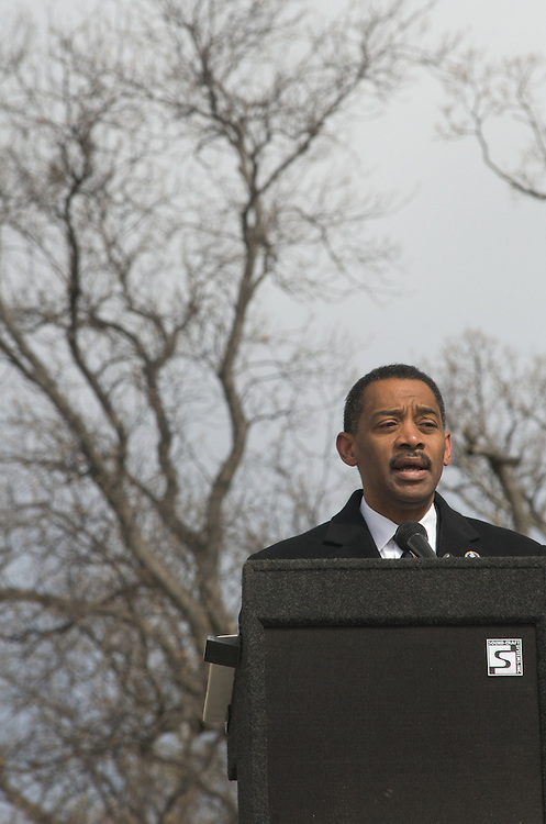 ARLINGTON, Virginia (March 28, 2011) -- Assistant Secretary of Defense for Health Affairs Jonathan Woodson, M.D., speaks during a remembrance ceremony at Arlington National Ceremony.  The event was held for family from around the country and for service members from all branches who gathered to honor 262 fallen medical service members who died in battle.  The Military Health System has hosted this event since 2009 and serves to bring families together who've lost loved ones that served as doctors, nurses, medics, corpsman and other medical personnel.  Photo by Johnny Bivera