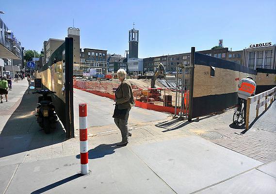 Nederland, Nijmegen, 25-5-2011Bouw van de ondergrondse parkeergarage aan het Plein 44. De garage wordt onderdeel van een groot nieuwbouwproject ter verbetering van de binnenstad.Foto: Flip Franssen/Hollandse Hoogte